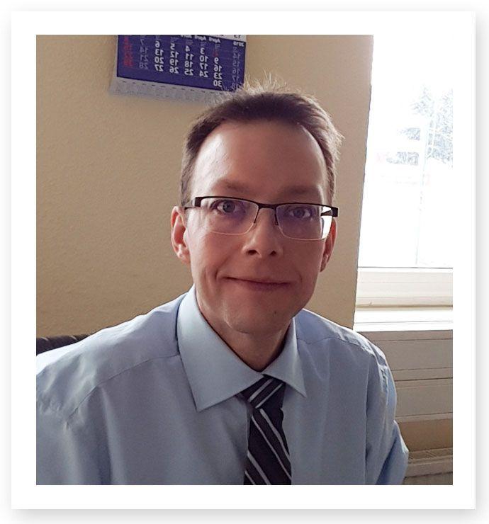 Angestellter Rechtsanwalt Ronald Schweininger