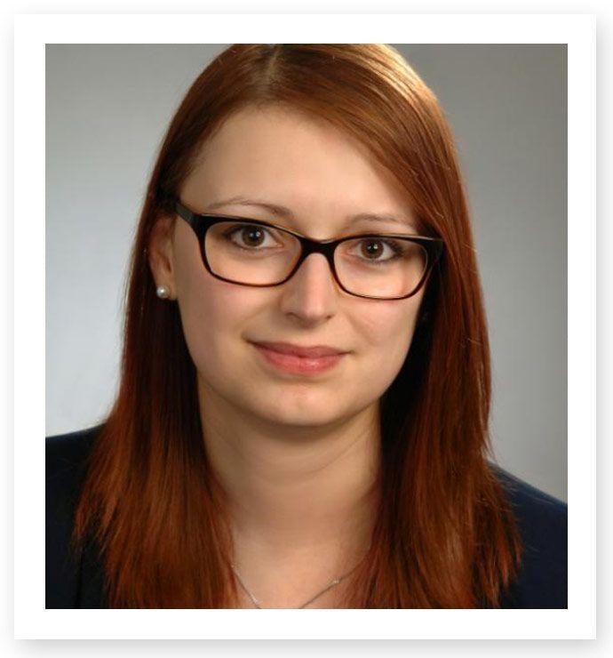 Angestellte Rechtsanwältin Dorothea Ehrmann